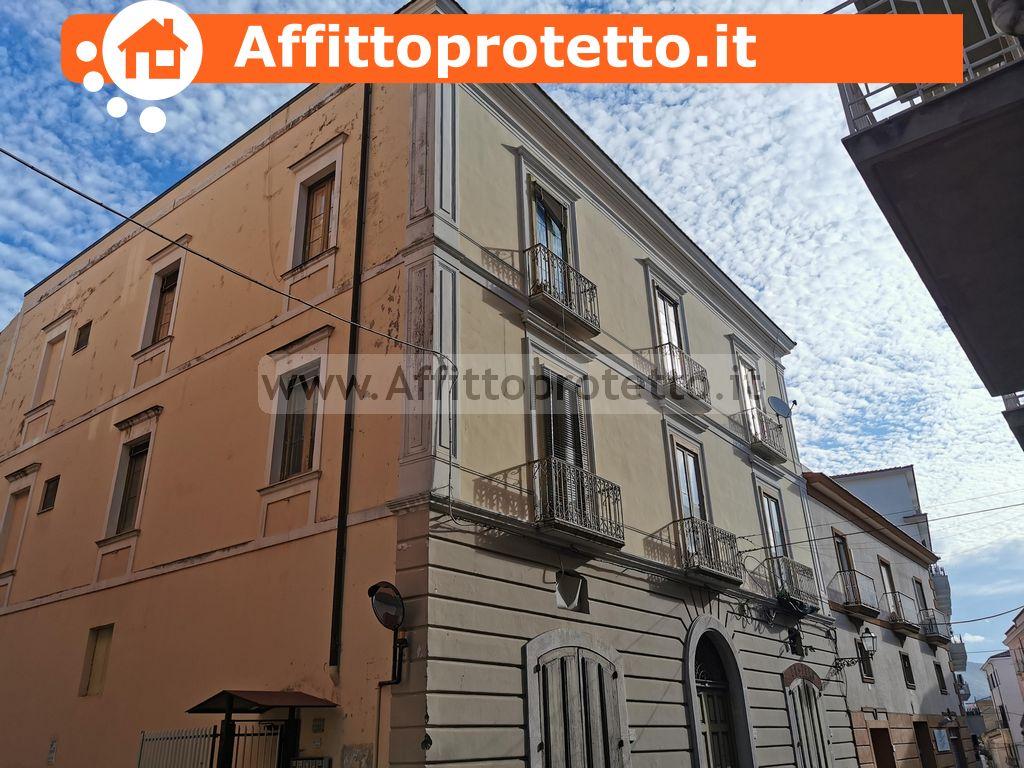 Appartamento in Palazzo Storico in Vendita a Formia